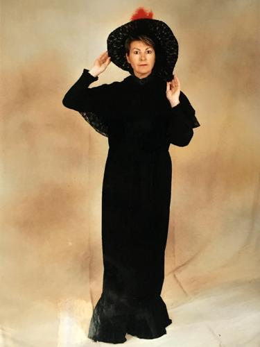 Dame 1900 Noire
