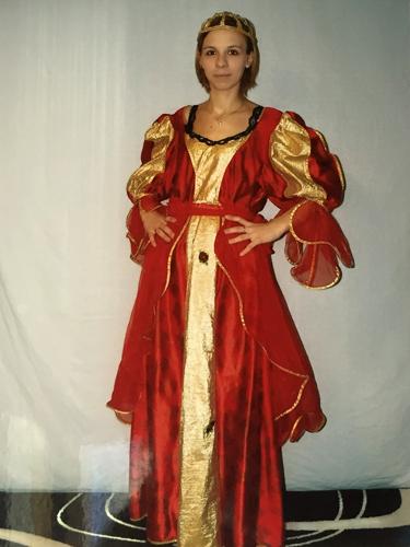 Reine Médiévale Rouge & Dorée
